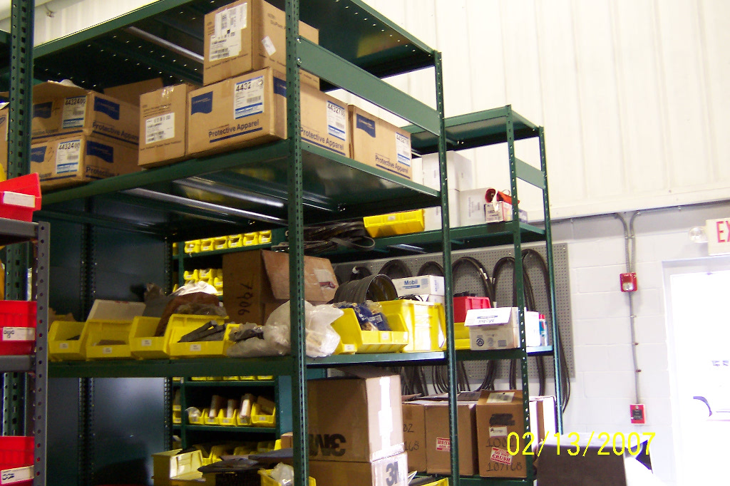 Masterbrand Shelving and Drawers pics 2-13--07 007a